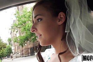 Mofos.com - Amirah Adara - Stranded Teens