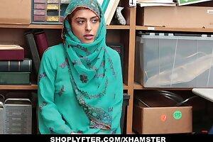 Shoplyfter - Hot Muslim Teen Caught & Harassed